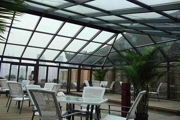 亚美亚门窗厂为你介绍阳光房变形的原因和解决方法